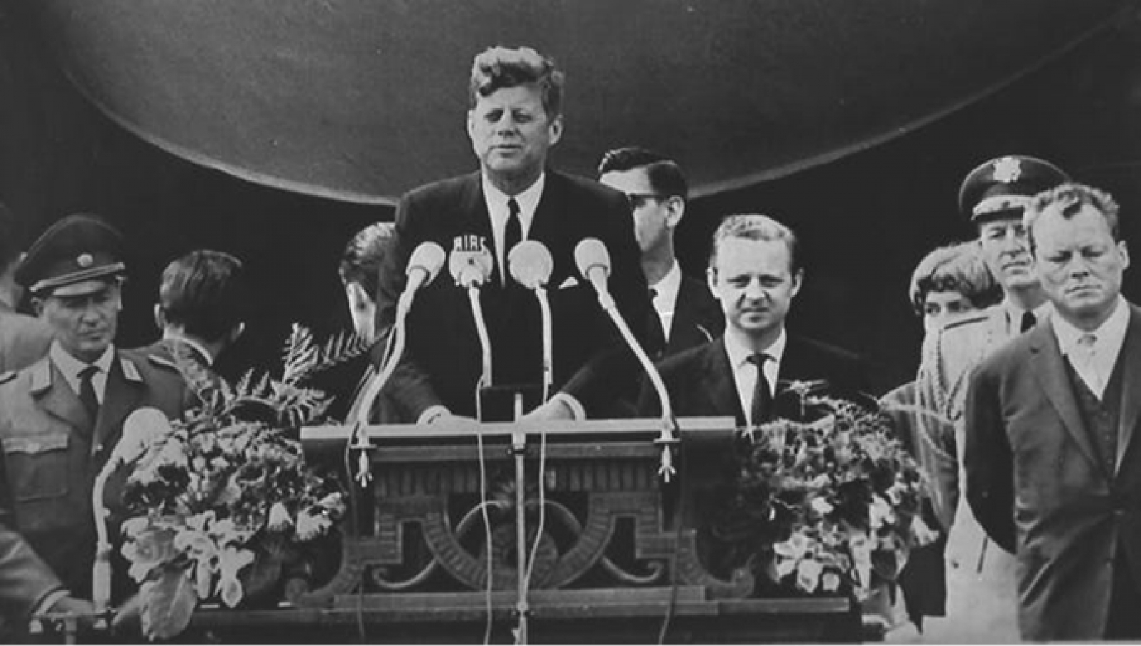 Deconstructing JFK: A Coup d'État over Foreign Policy?